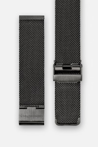 The CRONOMETRICS stainless steel Milanese strap in gunmetal